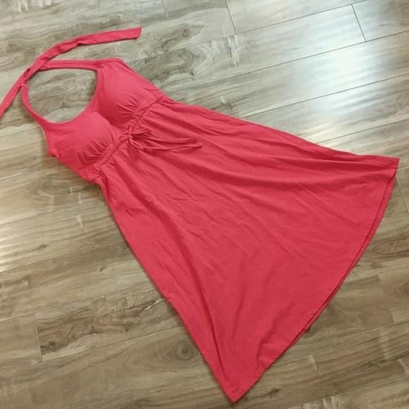 ❄️3/$25 NWOT DENVER HAYES Red Halter Dress